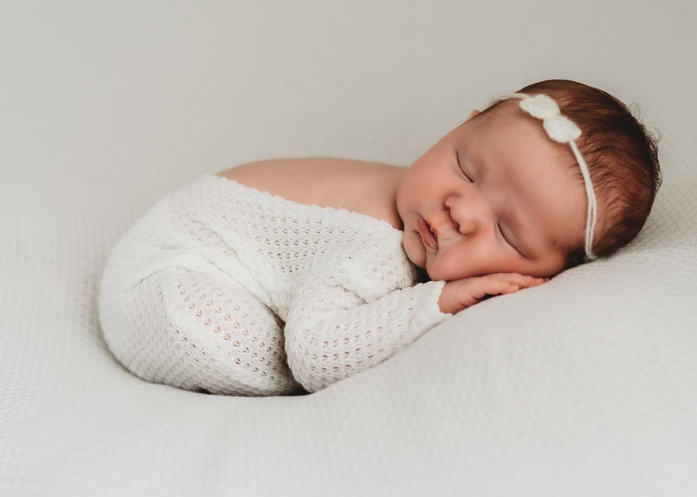cute newborn sleeping –Auckland Studio Newborn Photography